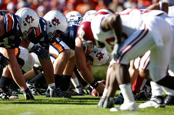 AUBURN, AL - NOVEMBER 27:  The Auburn Tigers punt team prepares to hike the ball against the Alabama Crimson Tide at Jordan-Hare Stadium on November 27, 2009 in Auburn, Alabama.  (Photo by Kevin C. Cox/Getty Images)