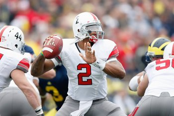 ANN ARBOR, MI - NOVEMBER 21:  Terrelle Pryor #2 of the Ohio State Buckeyes throws a second quarter pass while playing the Michigan Wolverines on November 21, 2009 at Michigan Stadium in Ann Arbor, Michigan.  (Photo by Gregory Shamus/Getty Images)