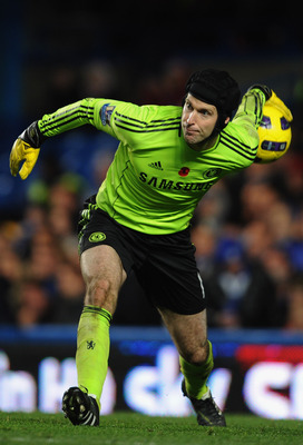 LONDON, ENGLAND - NOVEMBER 14:  Petr Cech of Chelsea in action during the Barclays Premier League match between Chelsea and Sunderland at Stamford Bridge on November 14, 2010 in London, England.  (Photo by Michael Regan/Getty Images)