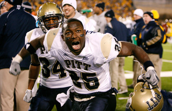 MORGANTOWN, WV - DECEMBER 1:  Running back LeSean McCoy #25 of the Pittsburgh Panthers reacts to the crowd after scoring a touchdown against the West Virginia Mountaineers in the the third quarter at Milan Puskar Stadium December 1, 2007 in Morgantown, We