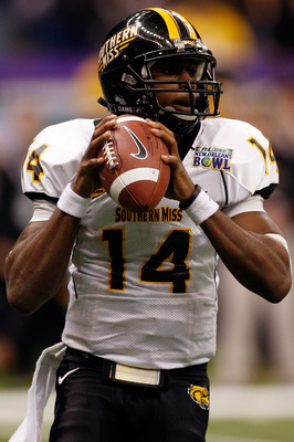 NEW ORLEANS - DECEMBER 20:  Quarterback Martevious Young #14 of the Southern Miss Golden Eagles looks to throw a pass against the Middle Tennessee Blue Raiders during the R+L Carriers New Orleans Bowl at the Louisiana Superdome on December 20, 2009 in New
