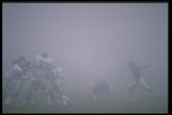 31 Dec 1988:  General view of a playoff game between the Philadelphia Eagles and the Chicago Bears at Soldier Field in Chicago, Illinois.  The Bears won the game, 20-12. Mandatory Credit: Jonathan Daniel  /Allsport