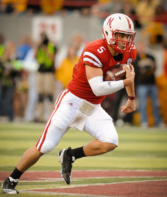 LINCOLN, NE - OCTOBER 30: Quarterback Zac Lee #5 of the Nebraska Cornhuskers runs downfield during second half action of their game at Memorial Stadium on October 30, 2010 in Lincoln, Nebraska. Nebraska Defeated Missouri 31-17. (Photo by Eric Francis/Gett
