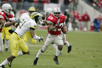COLUMBUS- NOVEMBER 23:  Maurice Clarett #13 of Ohio State runs against Michigan on November 23, 2002 at Ohio Stadium in Columbus, Ohio.  Ohio State won the game  14-9.  (Photo by Tom Pidgeon/Getty Images)