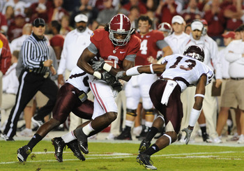 TUSCALOOSA, AL - NOVEMBER 13: Wide receiver Julio Jones #8 of the Alabama Crimson Tide grabs a pass against the Mississippi State Bulldogs November 13, 2010 at Bryant-Denny Stadium in Tuscaloosa, Alabama.  (Photo by Al Messerschmidt/Getty Images)