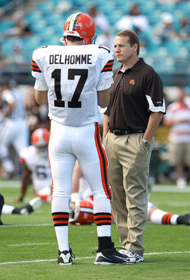 JACKSONVILLE, FL - NOVEMBER 21:  Jake Delhomme #17  of the Cleveland Browns talks with head coach Eric Mangini during a game agaisnt the Jacksonville Jaguars at EverBank Field on November 21, 2010 in Jacksonville, Florida.  (Photo by Mike Ehrmann/Getty Im