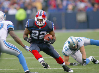 ORCHARD PARK, NY - NOVEMBER 14:  Fred Jackson #22 of the Buffalo Bills runs against the Detroit Lions at Ralph Wilson Stadium on November 14, 2010 in Orchard Park, New York. The Bills won 14-12.  (Photo by Rick Stewart/Getty Images)