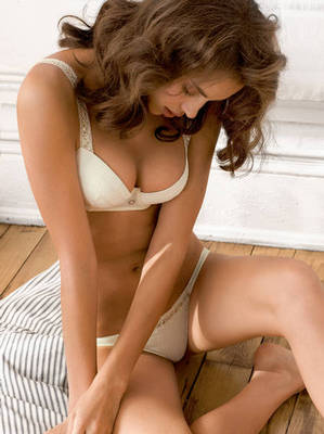 Irina-sheik-intimissimi-summer-1_display_image
