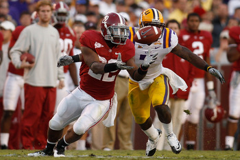 BATON ROUGE, LA - NOVEMBER 06:  Mark Ingram #22 of the Alabama Crimson Tide tries to catch the ball near Patrick Peterson #7 of the Louisiana State University Tigers at Tiger Stadium on November 6, 2010 in Baton Rouge, Louisiana.  The Tigers defeated the