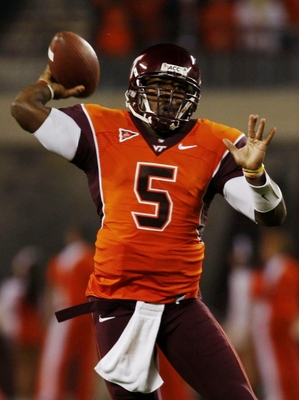 BLACKSBURG, VA - OCTOBER 29:  Quarterback Tyrod Taylor #5 of the Virginia Tech University Hokies throws the ball against the North Carolina Tar Heels during the first quarter of the game at Lane Stadium on October 29, 2009 in Blacksburg, Virginia.  (Photo