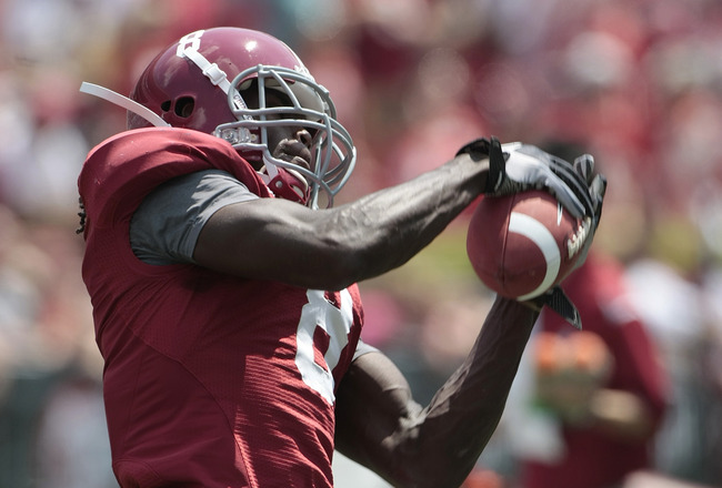 TUSCALOOSA, AL - APRIL 17: Wide receiver Julio Jones #8 of the Alabama Crimson Tide catches a pass during the Alabama spring game at Bryant Denny Stadium on April 17, 2010 in Tuscaloosa, Alabama. (Photo by Dave Martin/Getty Images)