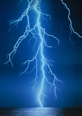 Lightning1_display_image
