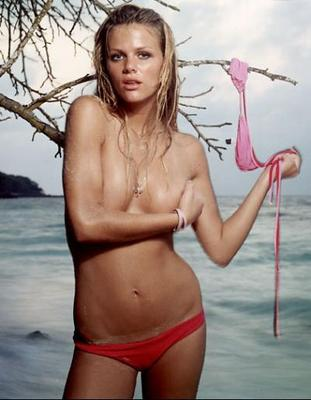 Brooklyn_decker_hot_girl_topless_1_0_display_image