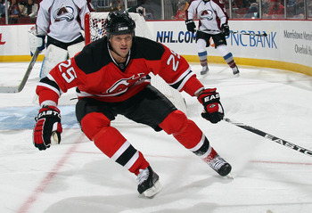 NEWARK, NJ - OCTOBER 15: Jason Arnott #25 of the New Jersey Devils skates against the Colorado Avalanche at the Prudential Center on October 15, 2010 in Newark, New Jersey.  (Photo by Bruce Bennett/Getty Images)