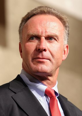 TOKYO, JAPAN - JULY 30: FC Bayern Munich CEO Karl-Heinz Rummenigge(L) attends a reception party during their Japan tour on July 30, 2006 in Tokyo, Japan.  Bayern Munich will play against Japanese team Urawa Reds at the 2006 Saitama City Cup on July 31. (P