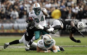 Dolphins_raiders_football_sff_76152_team_display_image