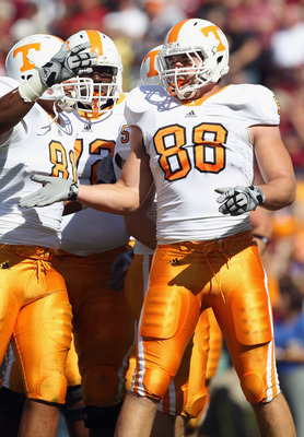 COLUMBIA, SC - OCTOBER 30:  Luke Stocker #88 of the Tennessee Volunteers against the South Carolina Gamecocks during their game at Williams-Brice Stadium on October 30, 2010 in Columbia, South Carolina.  (Photo by Streeter Lecka/Getty Images)