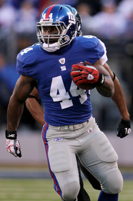 EAST RUTHERFORD, NJ - NOVEMBER 28:  Ahmad Bradshaw #44 of the New York Giants makes a break against the Jacksonville Jaguars at New Meadowlands Stadium on November 28, 2010 in East Rutherford, New Jersey.  (Photo by Chris McGrath/Getty Images)