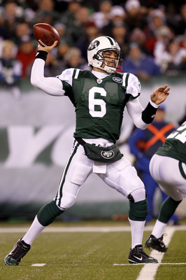 EAST RUTHERFORD, NJ - NOVEMBER 25:  Quarterback Mark Sanchez #6 of the New York Jets looks to throw a pass against the Cincinnati Bengals at New Meadowlands Stadium on November 25, 2010 in East Rutherford, New Jersey. The Jets defeated the Bengal 26-10.