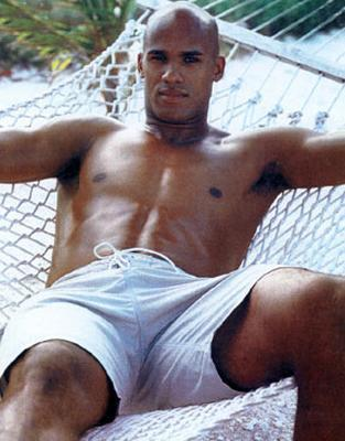 Jason_taylor_modeling_display_image