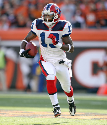 CINCINNATI - NOVEMBER 21:  Steve Johnson #13 of the Buffalo Bills runs with the ball after a reception during NFL game against the Cincinnati Bengals at Paul Brown Stadium on November 21, 2010 in Cincinnati, Ohio. The Bills won 49-21.  (Photo by Andy Lyon