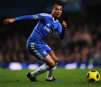 LONDON, ENGLAND - DECEMBER 04:  Ashley Cole of Chelsea in action during the Barclays Premier League match between Chelsea and Everton at Stamford Bridge on December 4, 2010 in London, England.  (Photo by Shaun Botterill/Getty Images)