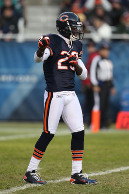CHICAGO - NOVEMBER 28: Devin Hester #23 of the Chicago Bears dances as he awaits a kick-off against the Philadelphia Eagles at Soldier Field on November 28, 2010 in Chicago, Illinois. The Bears defeated the Eagles 31-26. (Photo by Jonathan Daniel/Getty Im