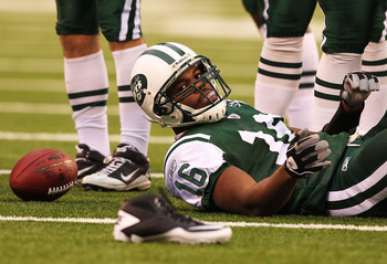 EAST RUTHERFORD, NJ - NOVEMBER 21:  Brad Smith #16 of the New York Jets loses his shoe after a runback against the Houston Texans during their  game on November 21, 2010 at the New Meadowlands Stadium in East Rutherford, New Jersey.  (Photo by Al Bello/Ge