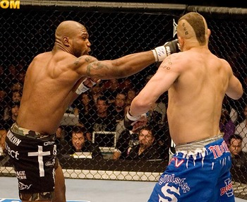 Quinton Jackson (left) landing the shot that would put Chuck Liddell down in their rematch at UFC 71.