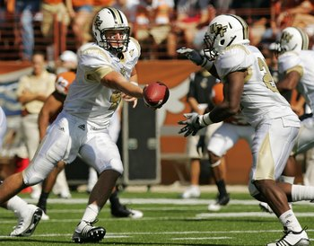 AUSTIN, TX - NOVEMBER 07:  Quarterback Rob Calabrese #4 of the UCF Knights runs a play against the Texas Longhorns on November 7, 2009 at Darrell K Royal - Texas Memorial Stadium in Austin, Texas.  Texas won 35-3.  (Photo by Brian Bahr/Getty Images)