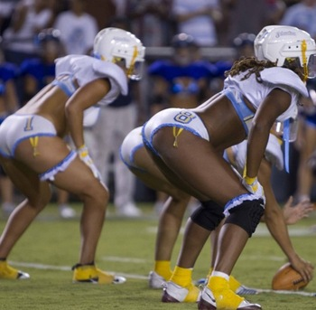 Slingerie_football_2010_7_display_image