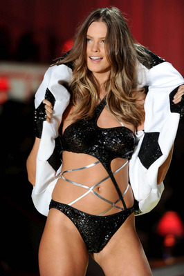 Shockblast_victorias-secret-fashion-show-331_display_image