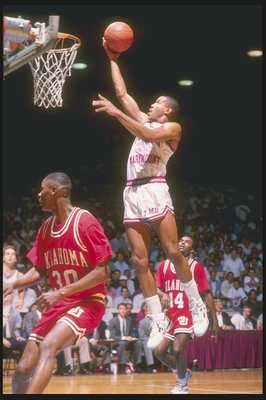 1990:  Guard Bo Kimble of the Loyola-Marymount Lions lays up the ball during a game. Mandatory Credit: Mike Powell  /Allsport