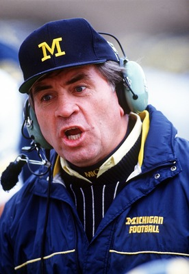 7 Nov 1992: MICHIGAN HEAD COACH GARY MOELLER ON THE SIDELINE DURING THE WOLVERINES 40-7 VICTORY OVER THE NORTHWESTERN WILDCATS AT DYCHE STADIUM IN EVANSTON, ILLINOIS.