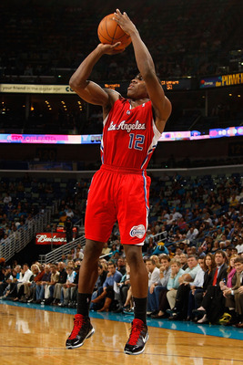 NEW ORLEANS - NOVEMBER 09:  Eric Bledsoe #12 of the Los Angeles Clippers shoots the ball during the game against the New Orleans Hornets at the New Orleans Arena on November 9, 2010 in New Orleans, Louisiana. The Hornets defeated the Clippers 101-82.   NO