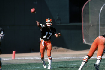 SAN DIEGO - SEPTEMBER 25:  Quarterback Brian Sipe #17 of the Cleveland Browns throws a pass during a game against the San Diego Chargers at Jack Murphy on September 25, 1983 in San Diego, California.  The Browns won 30-24 in overtime. (Photo by George Ros