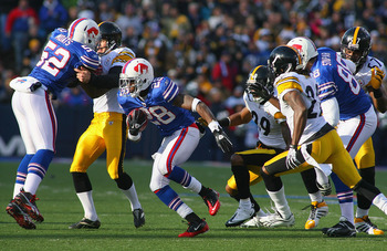 ORCHARD PARK, NY - NOVEMBER 28:  Leodis McKelvin #28 of the Buffalo Bills runs against the Pittsburgh Steelers at Ralph Wilson Stadium at Ralph Wilson Stadium on November 28, 2010 in Orchard Park, New York. Pittsburgh won 19-16 in overtime.  (Photo by Ric