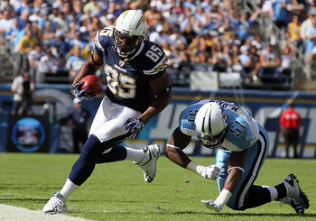 SAN DIEGO - OCTOBER 31:  Antonio Gates #85 of the San Diego Chargers scores against the Tennessee Titans in the game at Qualcomm Stadium on October 31, 2010 in San Diego, California. The Chargers defeated the Titans 33-25.  (Photo by Jeff Gross/Getty Imag