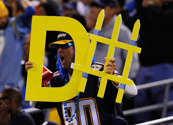 SAN DIEGO - NOVEMBER 22:  Fans of San Diego Chargers cheer during the NFL football game against Denver Broncos against of theat Qualcomm Stadium on November 22, 2010 in San Diego, California.  (Photo by Kevork Djansezian/Getty Images)