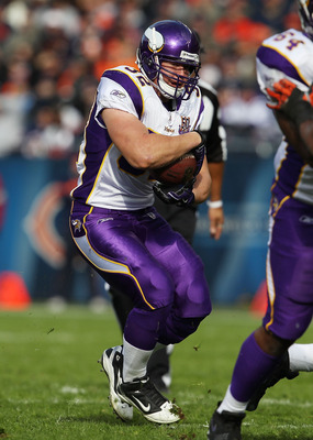 CHICAGO - NOVEMBER 14: Toby Gerhart #32 of the Minnesota Vikings runs against the Chicago Bears at Soldier Field on November 14, 2010 in Chicago, Illinois. The Bears defeated the Vikings 27-13. (Photo by Jonathan Daniel/Getty Images)