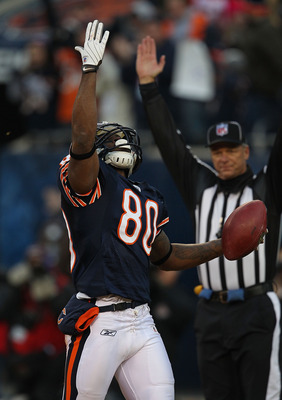 CHICAGO - NOVEMBER 28: Earl Bennett #80 of the Chicago Bears celebrates the first of two 1st half touchdown catches against the Philadelphia Eagles at Soldier Field on November 28, 2010 in Chicago, Illinois. (Photo by Jonathan Daniel/Getty Images)