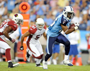 NASHVILLE, TN - AUGUST 23:  Nate Washington #85 of the Tennessee Titans breaks away from the Arizona Cardinals defense after making a first down catch during a preseason game at LP Field on August 23, 2010 in Nashville, Tennessee.  (Photo by Grant Halvers