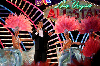 LAS VEGAS - FEBRUARY 18:  Singer Wayne Newton performs at the 2007 NBA All Star Game on February 18, 2007 at Thomas & Mack Center in Las Vegas, Nevada.  NOTE TO USER: User expressly acknowledges and agrees that, by downloading and or using this photograph