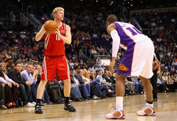 PHOENIX - JANUARY 06:  Chase Budinger #10 of the Houston Rockets looks to pass during the NBA game against the Phoenix Suns at US Airways Center on January 6, 2010 in Phoenix, Arizona. The Suns defeated the Rockets 118-110.  NOTE TO USER: User expressly a