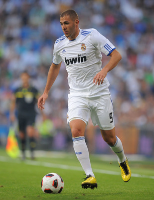 MADRID, SPAIN - SEPTEMBER 11:  Karim Benzema of Real Madrid in action during the La Liga match between Real Madrid and Osasuna at Estadio Santiago Bernabeu on September 11, 2010 in Madrid, Spain.  (Photo by Denis Doyle/Getty Images)