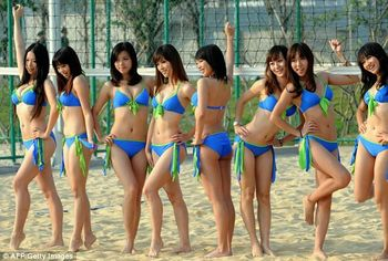 Asian-games-bikini-cheerleaders-images_5545_display_image