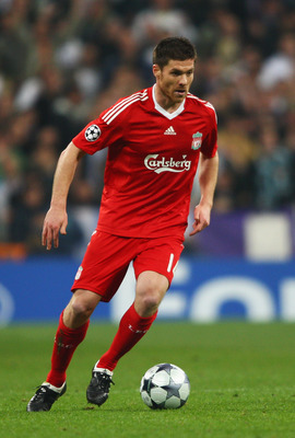 MADRID, SPAIN - FEBRUARY 25:  Xabi Alonso of Liverpool in action during the Champions League Round of 16, First Leg match between Real Madrid and Liverpool at the Estadio Santiago Bernabeu on February 25, 2009 in Madrid, Spain.  (Photo by Clive Brunskill/