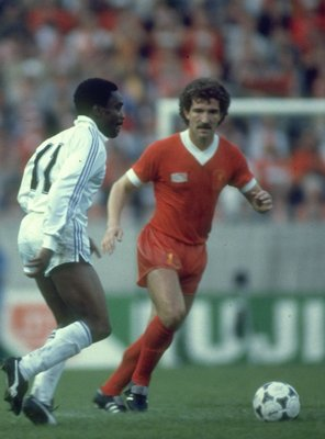 1981:  Graham Souness (right) of Liverpool takes on Laurie Cunningham (left) of Real Madrid during the European Cup final at Parc des Princes in Paris. Liverpool won the match 1-0. \ Mandatory Credit: Allsport UK /Allsport
