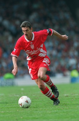 14 APR 1995:  IAN RUSH OF LIVERPOOL IN ACTION DURING A PREMIERSHIP MATCH AGAINST MANCHESTER CITY AT MAINE ROAD. CITY WON THE GAME 2-1. Mandatory Credit: Gary Prior/ALLSPORT