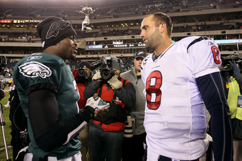 PHILADELPHIA, PA - DECEMBER 02:  Michael Vick #7 of the Philadelphia Eagles talks with Matt Schaub #8 of the Houston Texans after the Eagles won 34-24 at Lincoln Financial Field on December 2, 2010 in Philadelphia, Pennsylvania.  (Photo by Jim McIsaac/Get